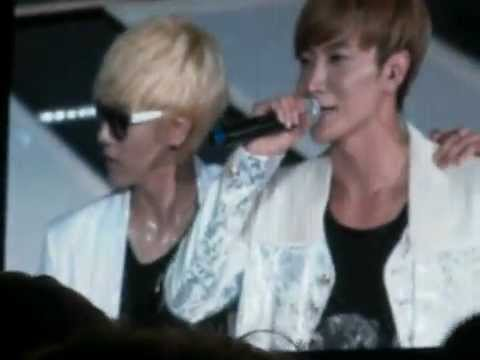 [Fancam] 120922  Super Junior Introduction @ SMTown Jakarta -ggue7BGUzoE