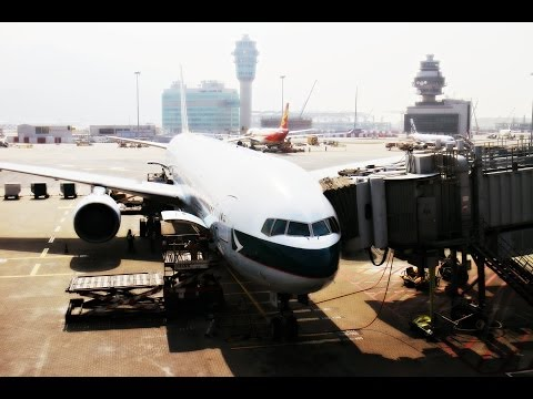Cathay Pacific Airways B777-300 Flight Experience: CX735 Hong Kong to Singapore