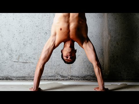 Insane HANDSTAND Workout - Get A Ripped Upper Body Without Weights
