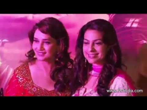 'Gulaab Gang' Movie Special Screening | Madhuri Dixit ,Juhi Chawla