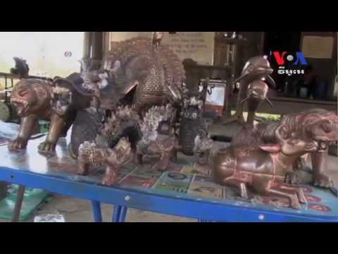 Cambodian Metalwork in Good Business for Tourists' Souvenirs