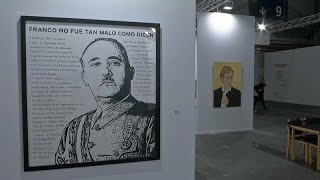 معرض مدريد للفن المعاصر يفتتح أبوابه