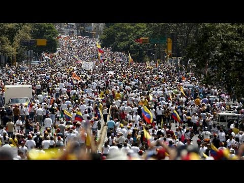 VENEZUELAN Protesters Demand Maduro's Resingation   Fighting Continue on Streets of CARACAS