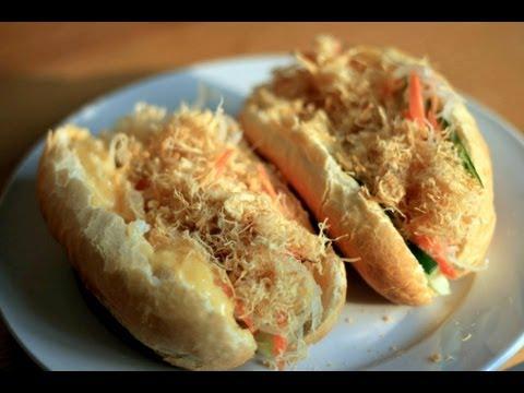 Bánh mì gà - Bread Roll Sandwich with Chicken Floss