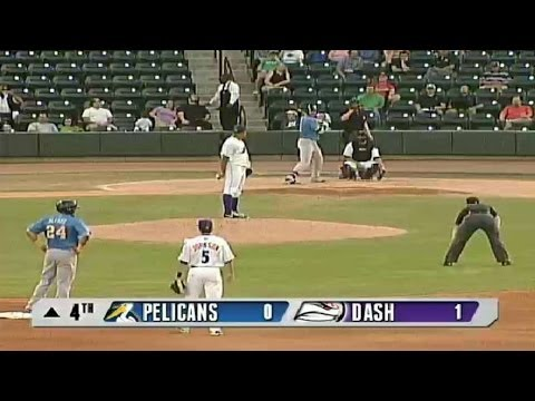 Pelicans' Gallo hits RBI triple