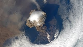 VOLCANO ERUPTION VIEW FROM SPACE!! AMAZING JANUARY 31