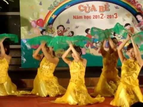 Các co giao cua Oscar & Sara Ninh mua dep 9-2012.MPG
