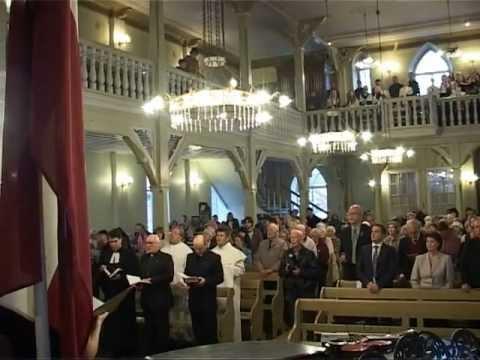 Смотреть видео Вентпспилс отпраздновал День Рождения всей Латвии