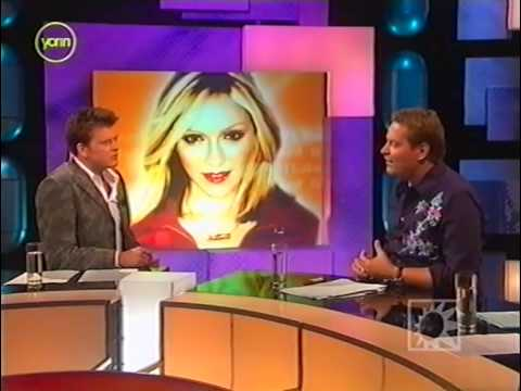 Madonna Dutch news item 2004 with Kees Tabak on photoshoot 20 years before