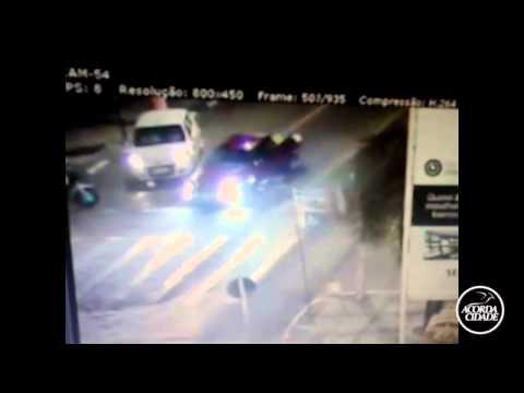 Câmeras de segurança flagram morte de jovem no centro da cidade