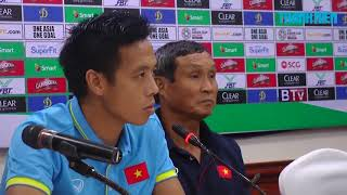 HLV Mai Đức Chung và đội trưởng ĐTVN nói gì trước trận gặp Campuchia?