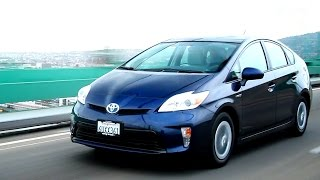 2012 Toyota Prius Video Review - Kelley Blue Book videos