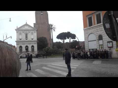 Obama in Italia a Roma - Vedette per Passaggio Corteo Auto