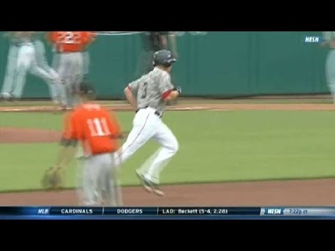 Red Sox's Cecchini smacks grand slam