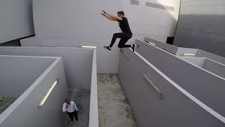 ROOFOP MAZE -  jumping over security