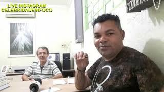 Edilson Barbosa conversa com o médico Avelar Alécio