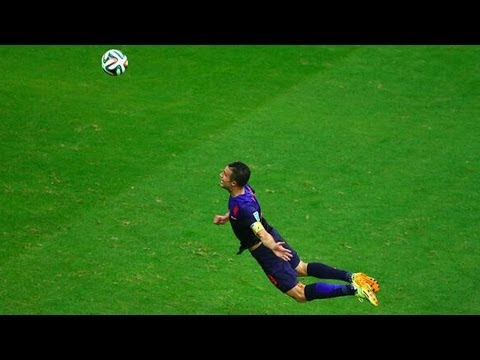 Netherlands Destroys Spain 5-1! Van Persie is Superman!