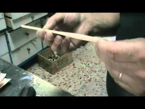Fabricación de flotadores de pesca en madera de balsa artesanales