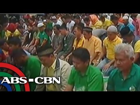 Muslims, Reds clash in Mendiola