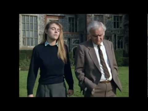 Elizabeth Hurley - Inspector Morse