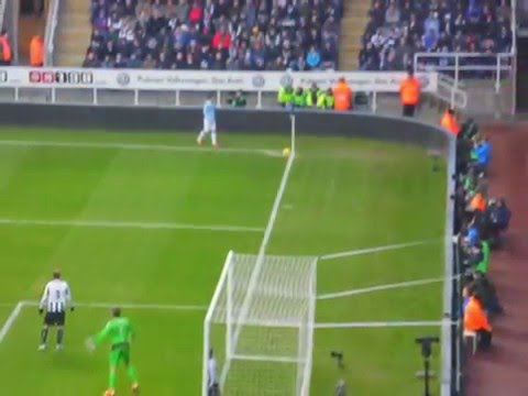 Newcastle United 0 Manchester City 2 - School Trip Montage