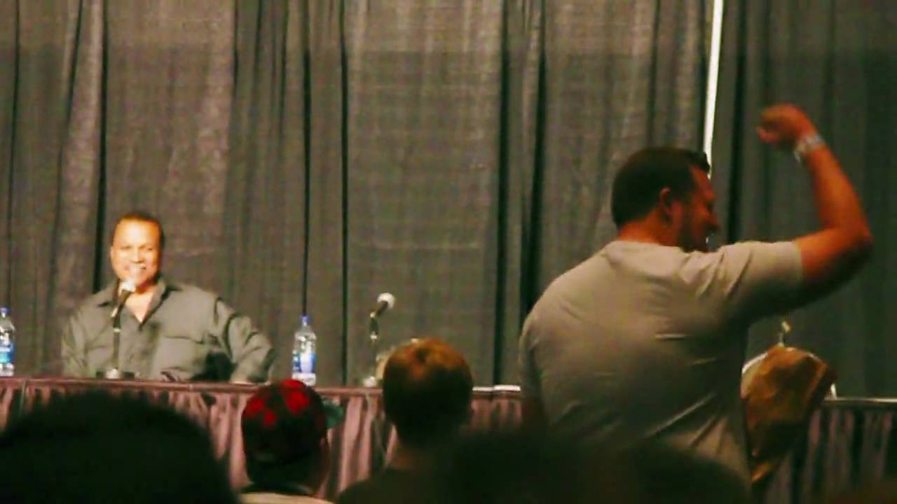 Billy Dee Williams Colt 45 - Calgary Comic Expo 2010 - YouTube