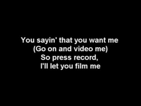Beyonce feat Lady Gaga - Video Phone LYRICS ________ ( High Quality ) mp4.avi