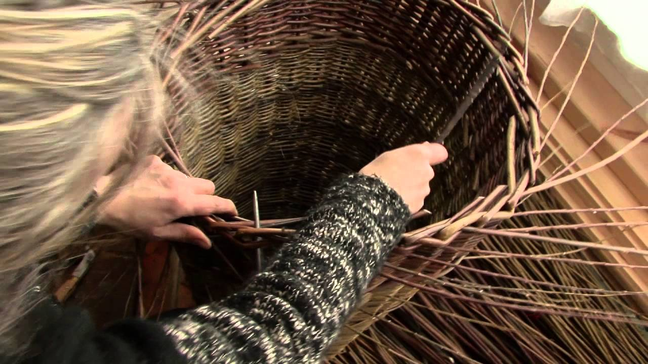 Basket Weaving Peterborough : Weaving a bronze age willow eel trap
