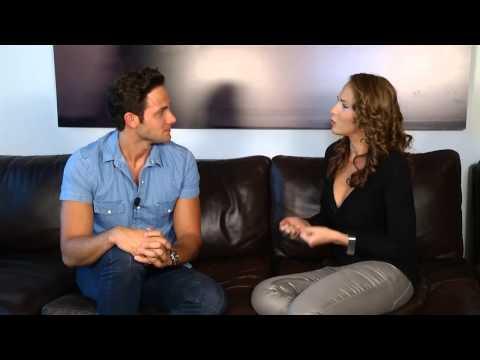 Acceso Total NY - Ivette Machin entrevista a Gabriel Coronel
