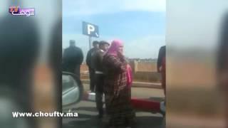 بالفيديو.. سكان البرنوصي ينتظرون الملك لحظة خروجه من مسجد الفردوس بالبرنوصي | خارج البلاطو