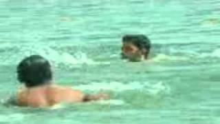 Soumitra-Sumon Bathing in Padma River during reporting.3gp view on youtube.com tube online.