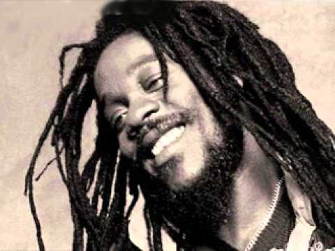 Dennis Brown - Ghetto Girl