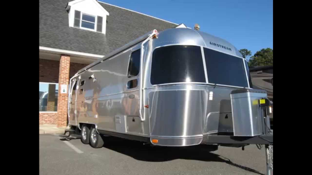 Brilliant A Trailer Is Anything Towed By Another Vehicle There Are Two Different Kinds, More About That Below A Motorhome Is A Selfpropelled RV Got That? Good! Lets Keep Going With Our Guide To RV Classes  Bunk And Two Twin Beds In The