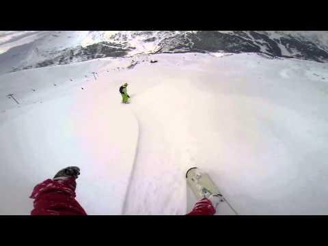 Horse on snowboard with GoPro having fun Сумасшедший конь в куршавеле