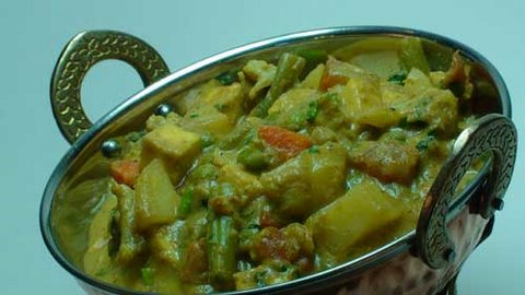 Vegetable Korma - Indian Vegetarian Recipes Video