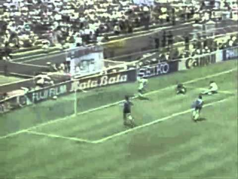 Diego Maradona - Goal of the century (High Quality).flvaT