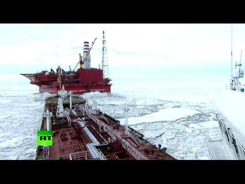 В Печорском море произведена отгрузка первой партии нефти с платформы «Приразломная»