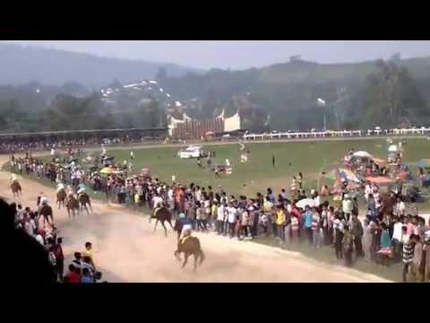 pacuan kuda derby 2 batusangkar 2014