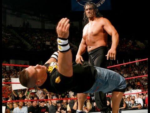 'Trùm WWE' John Cena Thành Kẻ Tí Hon Khi Đánh Với Great Khali