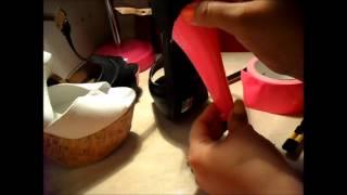 Customiza tus zapatos con cinta adhesiva