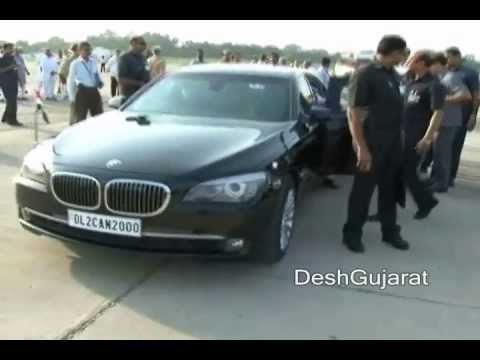 Prime Minister Dr. Manmohan Singh welcomed at Ahmedabad airport