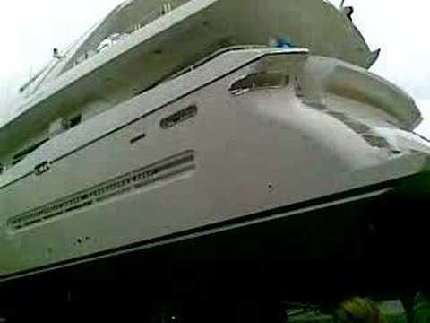 Trasporto mega yacht a Sabaudia Part I