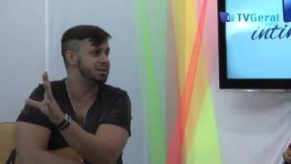 Intimidades com o Topera cantor da banda 5%- TvGeral.com.br view on youtube.com tube online.