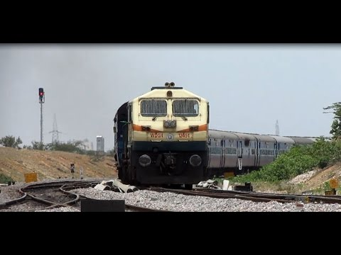 [HD]: EMD GootY WDG 4 with CHENNAI MUMBAI mail curves past Yermaras
