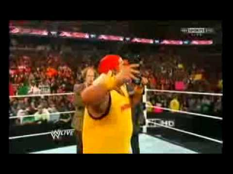 Hulk Hogan returns to WWE 2/24/14