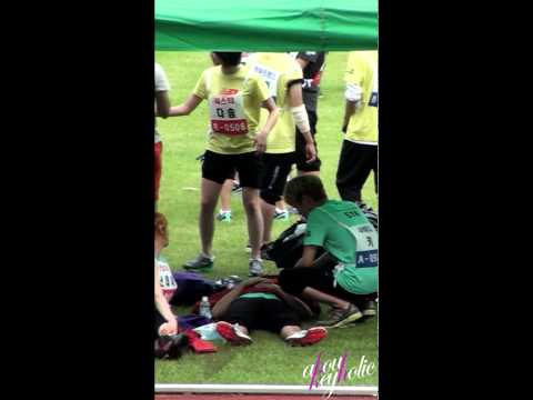 [fancam] 110827 SHINee Key wake Minho up@Idol sports day