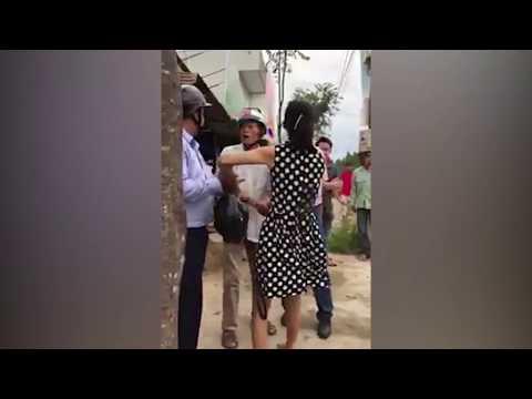 Biến căng: Người đàn bà bắt cóc trẻ em ở Cần Thơ bị phát hiện bị dân bao vây tóm cổ