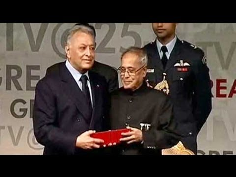 Zubin Mehta, the Maestro is honoured by the President of India