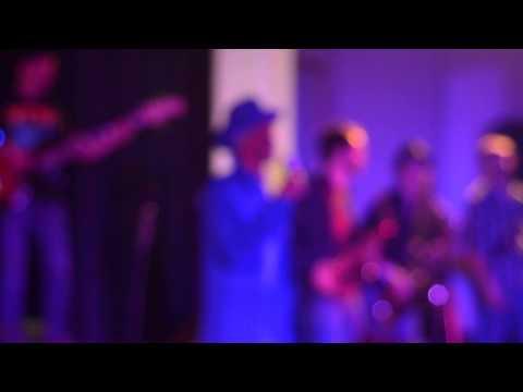 Errol Dunkley & Asham Band - A little way different (live)