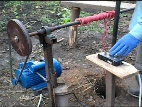 Burghiu manual pentru forat puturi de apa-Demonstratie- 2013-Partea 1